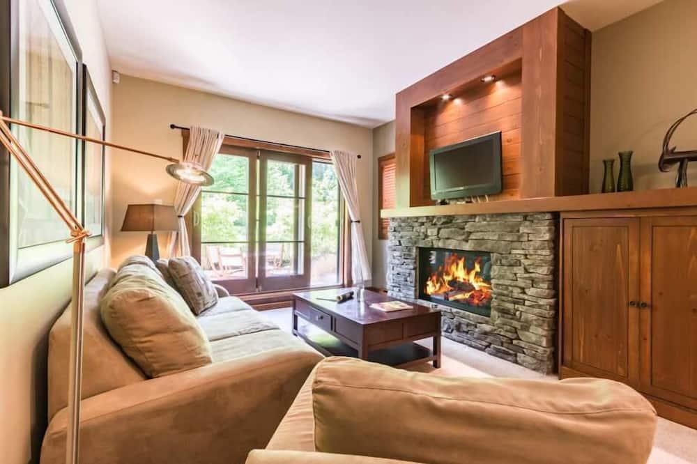 Superior Chalet - Living Room