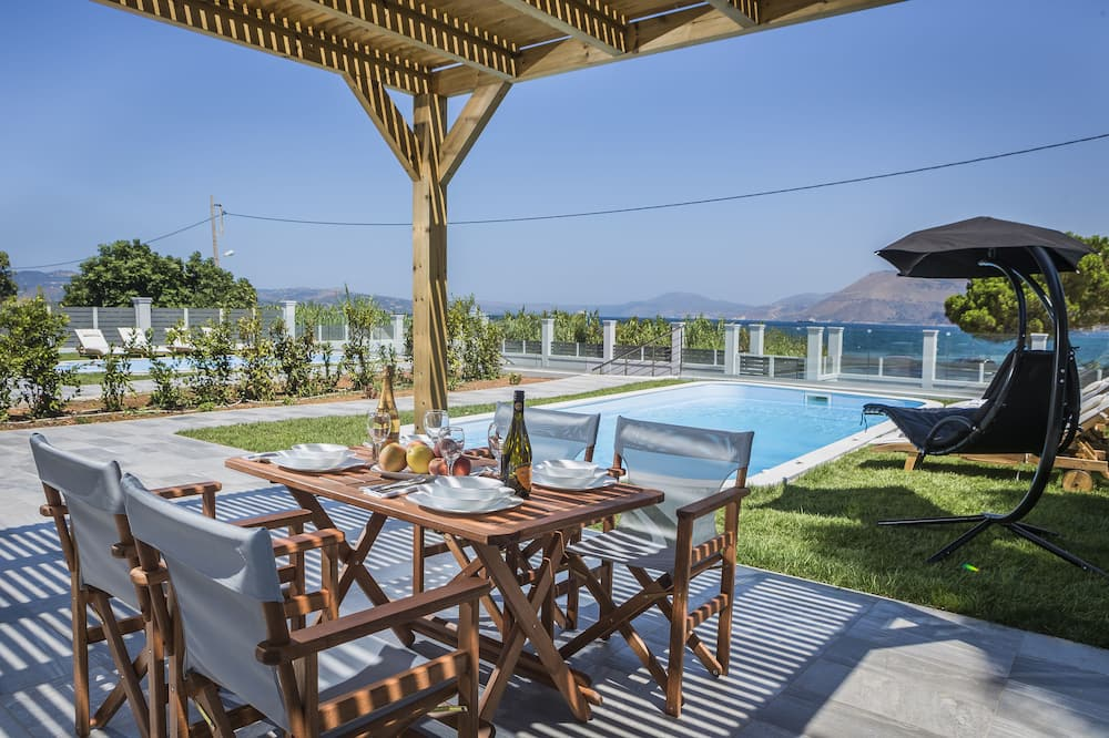 Deluxe Villa with Private Pool, Sea View (2) - Outdoor Dining