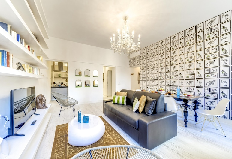 Sweet Inn - Trastevere - Garibaldi, Rome, Deluxe Apartment, 2 Bedrooms (Via Garibaldi, 63), Living Area