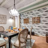 Comfort Apartment, 2 Bedrooms (Via dell'Olmetto 18) - In-Room Dining