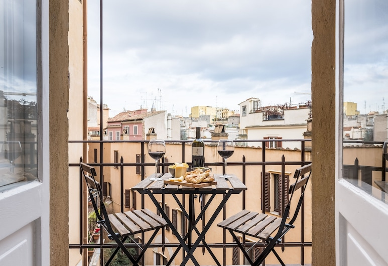 Sweet Inn - Monti - Cimarra, Rome, City Studio (3 PAX - Via Cimarra 37), Balcony