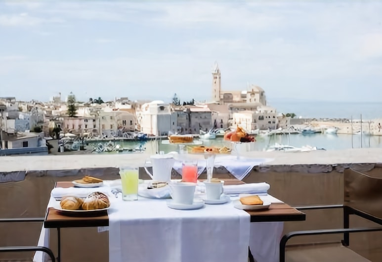 Marè Resort, Trani, Speisen im Freien