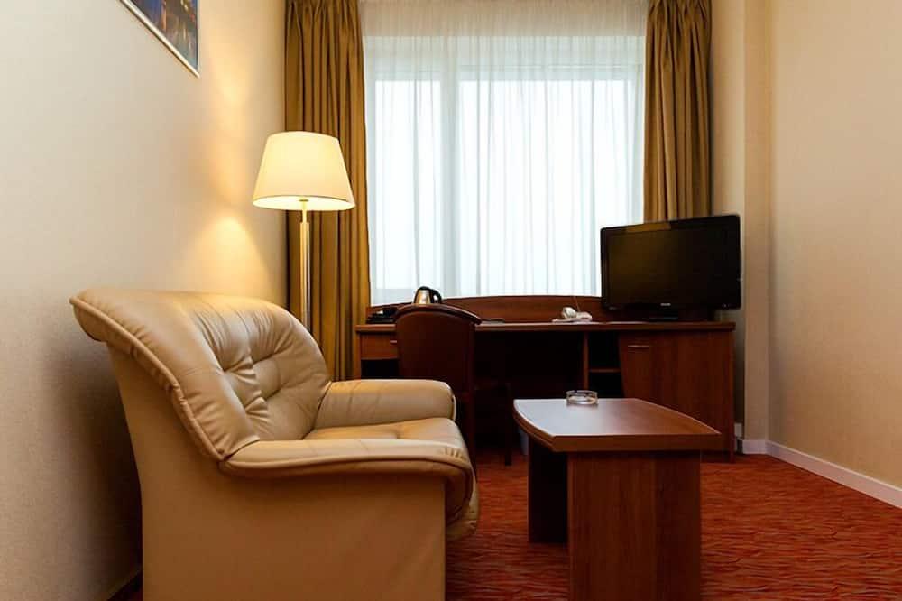 Business Room, 1 Bedroom - Living Room