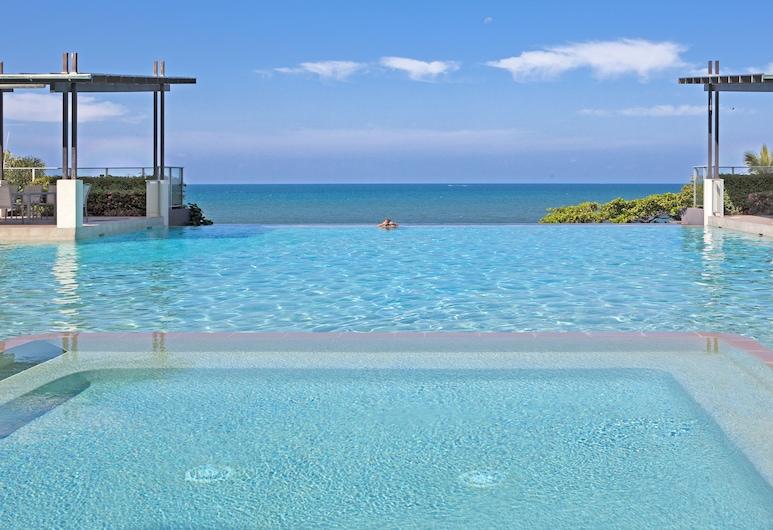 Vue Apartments Trinity Beach, Trinity Beach, Outdoor Pool