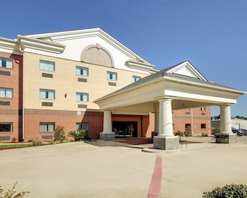Picture of Red Lion Inn & Suites Byram in Byram