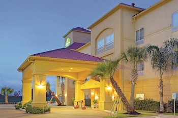 ภาพ La Quinta Inn & Suites Houston New Caney ใน New Caney