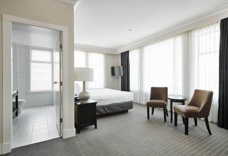 Hotel Rialto, Victoria, Superior Room, 1 King Bed, Living Area