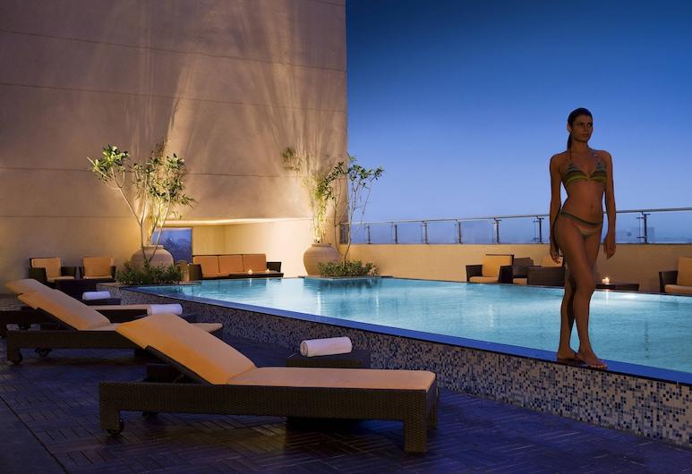 亞美達巴德萬豪酒店, 阿默達巴德, 泳池