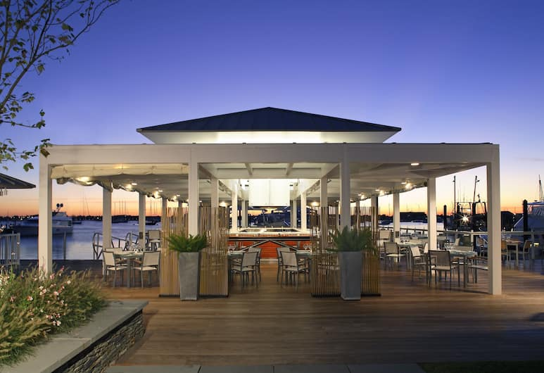 Forty 1 North, Newport, Outdoor Dining