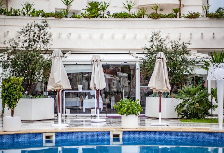 Tunis Grand Hotel, Ariana, Outdoor Pool