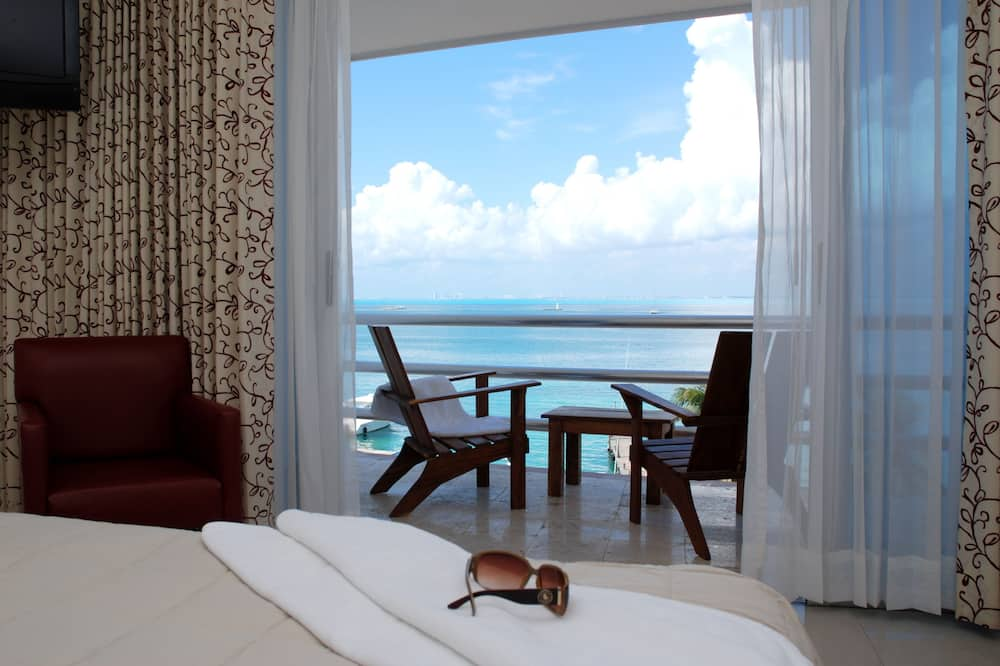 Deluxe Double Room, 2 Double Beds, Bay View - Guest Room