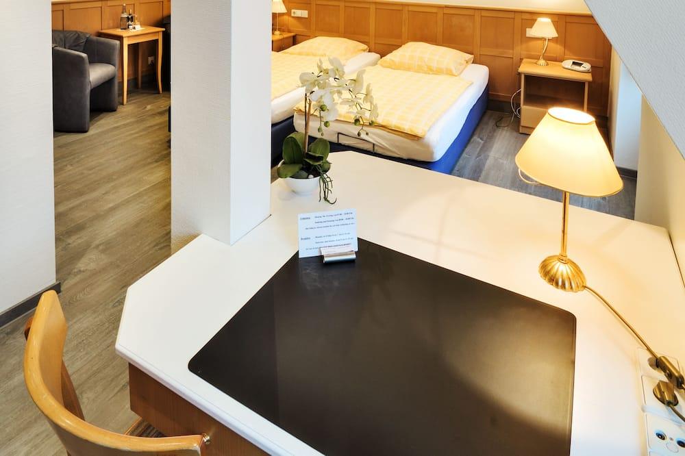 Comfort Twin Room - Living Area