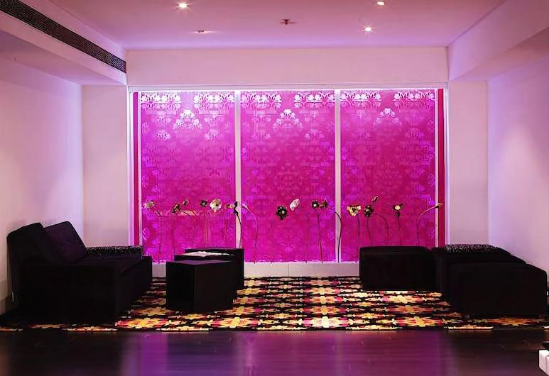 The Beatle Hotel, Mumbai, Lobby Sitting Area