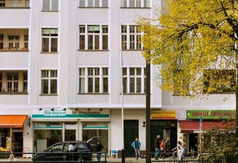 Hotel Pension Intervarko, Berlin, Hotel Front