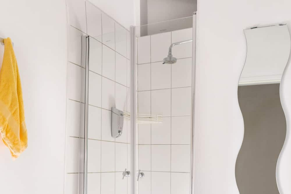 Quadruple Room, Shared Bathroom (no TV) - Bathroom Amenities