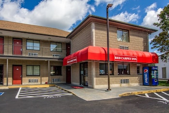 A(z) Red Carpet Inn Norwalk hotel fényképe itt: Norwalk