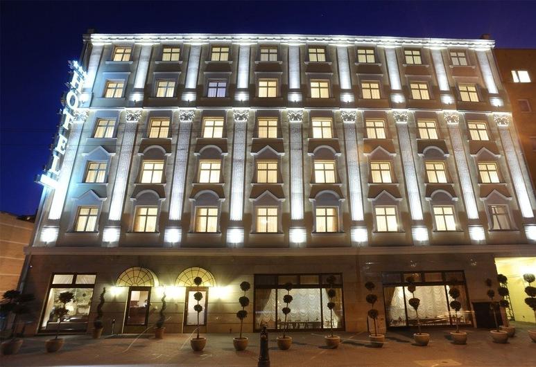 Hotel Wloski, Poznan, Otelin Önü - Akşam/Gece