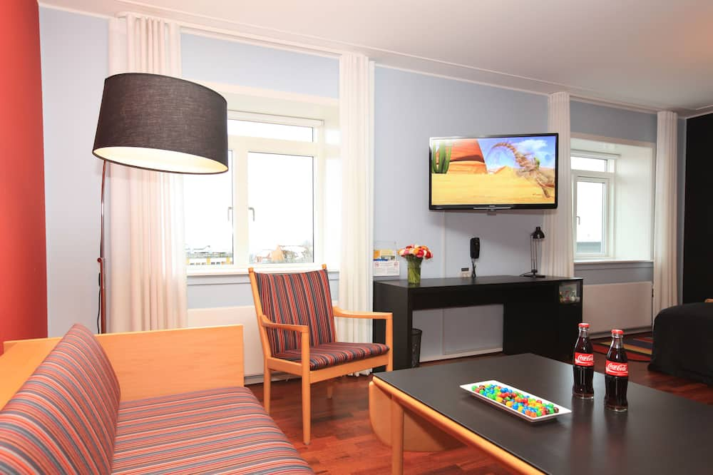 Family Room, 1 Double Bed, Non Smoking - Living Area