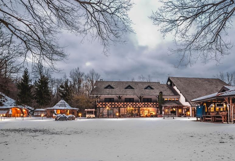 Pension & Glamping Pibernik, Bled, Pročelje hotela – navečer/po noći