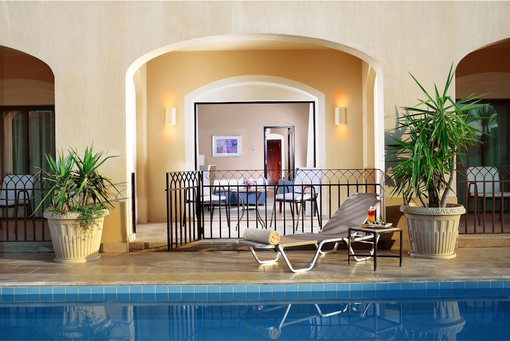 Hurghada Hotels With Swim Up Rooms