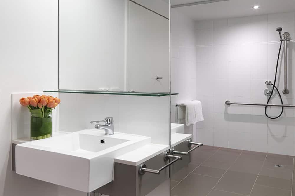スタンダード ルーム キングベッド 1 台 バリアフリー - バスルーム