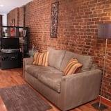 Deluxe Studio 2nd Floor - Living Area