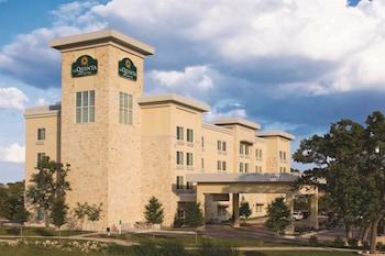 Choose This Cheap Hotel in Cedar Park
