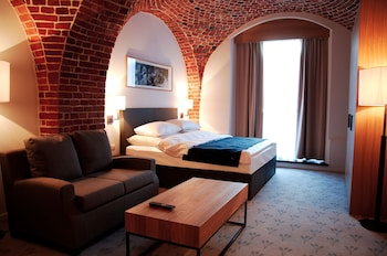 Enter your dates to get the Wroclaw hotel deal