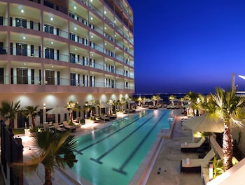 Picture of Staybridge Suites Abu Dhabi Yas Island in Abu Dhabi