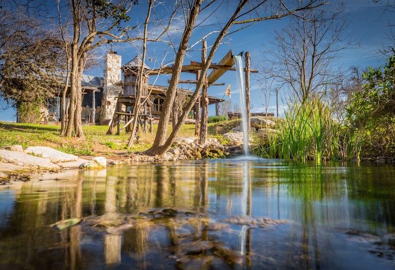 Barons CreekSide, Fredericksburg, Huisje (Rhinefalls Log), Terras