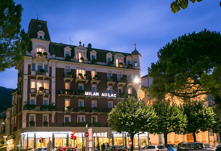 Hotel Milan Speranza Au Lac, Stresa, Fassaad õhtul/öösel