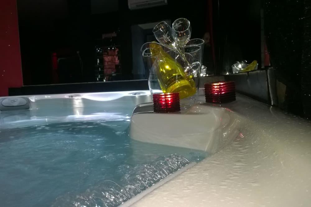Suite - Outdoor Pool
