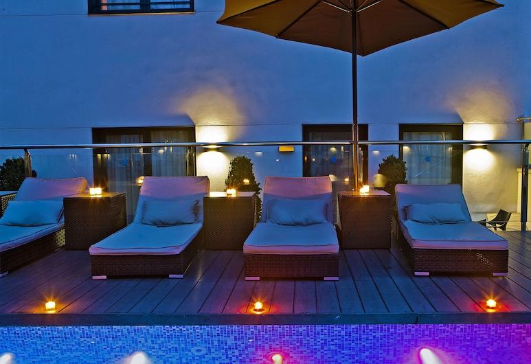 그루포텔 그랜 비아 678, 바르셀로나, 야외 수영장