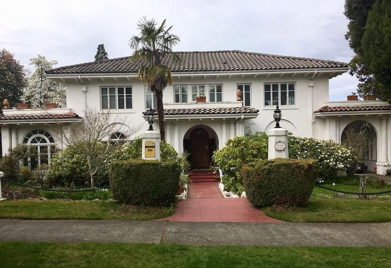 The Villa, Tacoma
