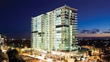 Choose This 4 Star Hotel In Surfers Paradise