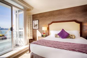 選擇溫哥華這間設有客房內無障礙設施的酒店
