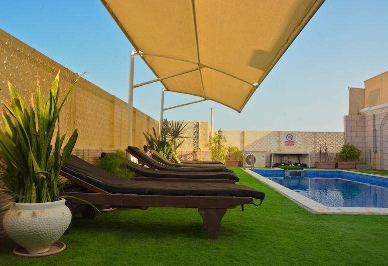 Al Maha International Hotel, Muscat, Rooftop Pool