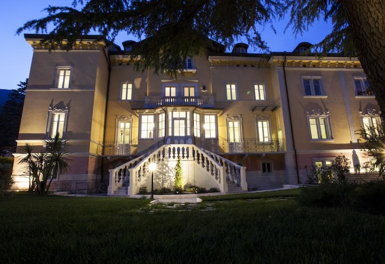 Villa Italia, Arco, Hadapan Hotel - Petang/Malam