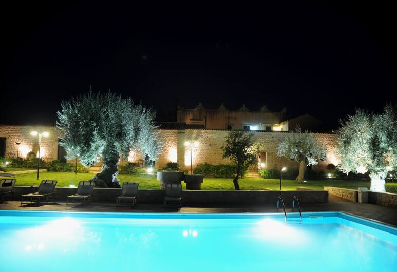 Torre Don Virgilio Country Hotel, Modica, Buitenzwembad