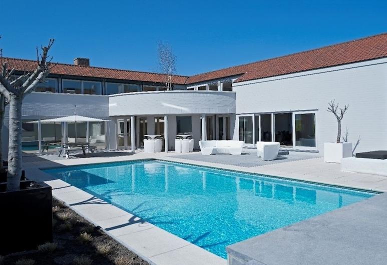d-hotel, Kortrijk, Outdoor Pool