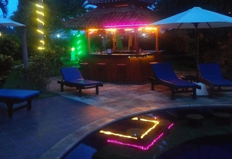 Bali Paradise Hotel Boutique Resort, Buleleng, Poolside Bar