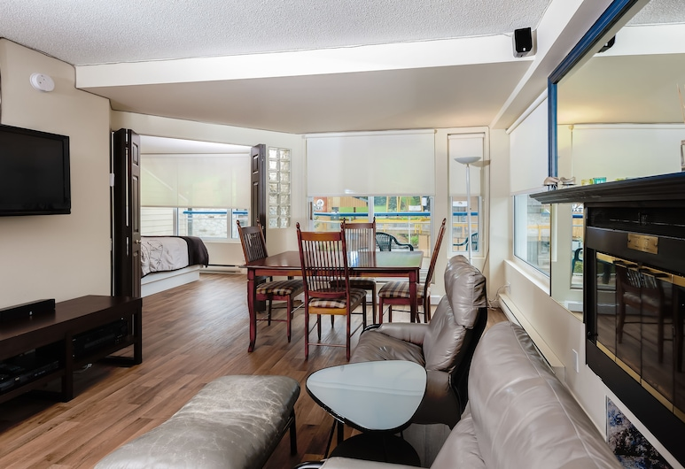 Hébergement Mont-Sainte-Anne, Beaupre, apartman, 2 hálószobával (Ski-in/Ski-out), Nappali rész