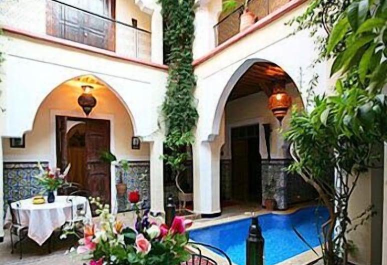 利雅德艾薩戈雅飯店, 馬拉喀什, 室內/室外游泳池