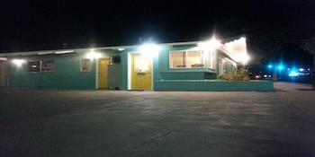 Enter your dates for our San Luis Obispo last minute prices