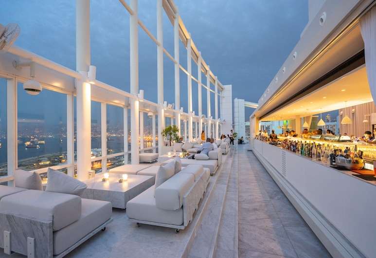 Four Seasons Hotel Beirut, Beirut, Bar junto a la alberca