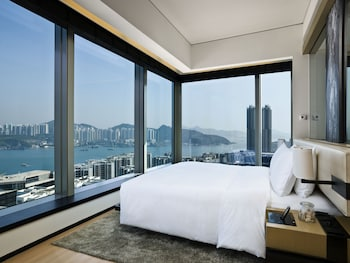 Enter your dates for our Hong Kong last minute prices