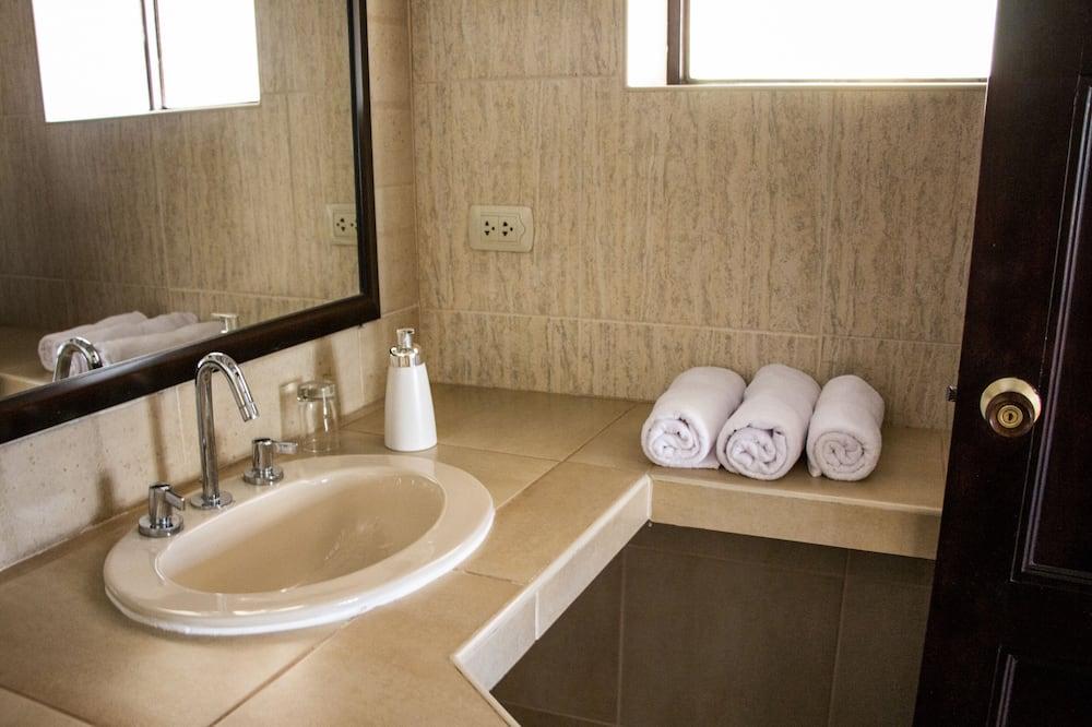 雙床房, 2 張單人床, 花園景觀 - 浴室