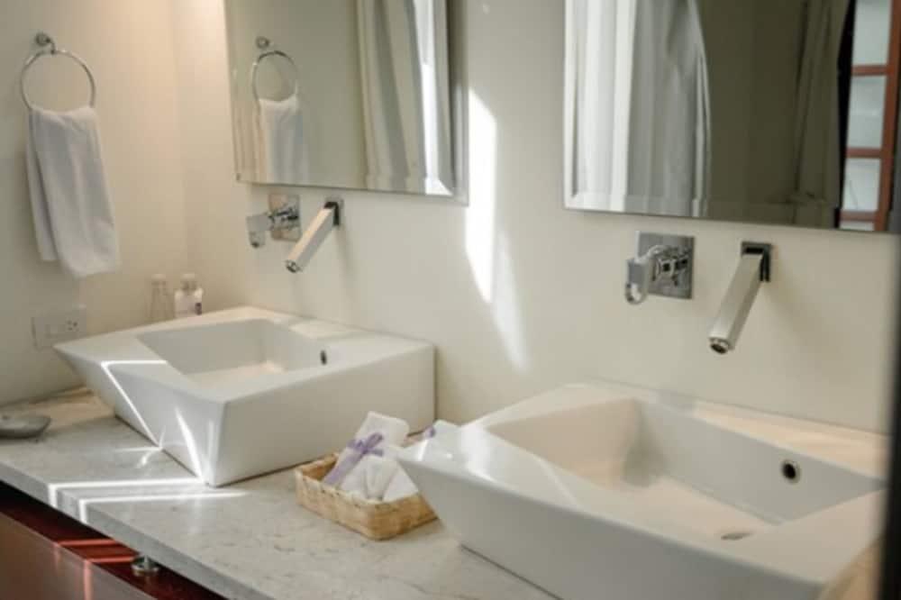 Suite, 1 letto king, patio - Bagno