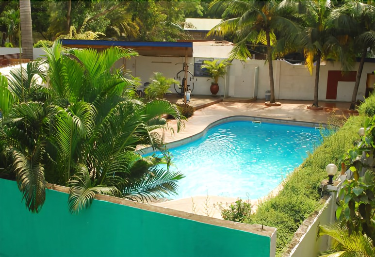 Airside Hotel, Accra, Outdoor Pool