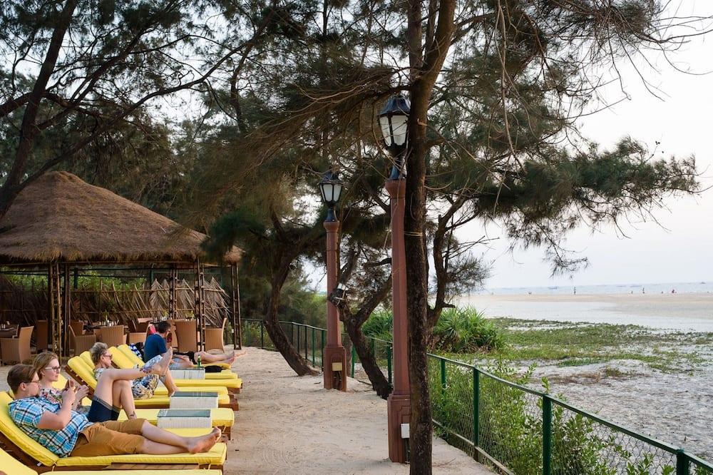 Quầy bar trên bãi biển